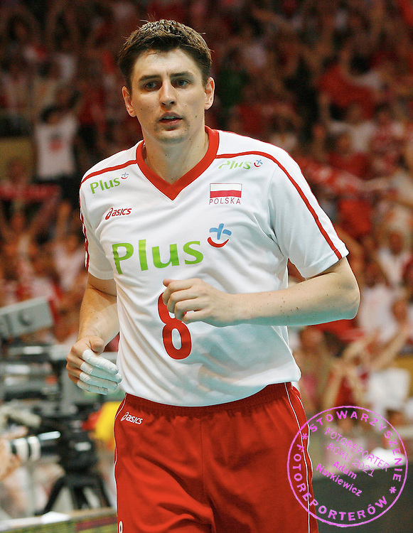 LODZ 25/05/2007.VOLLEYBALL WORLD LEAGUE 2007.POOL D INTERCONTINENTAL ROUND.POLAND v CHINA.ROBERT PRYGIEL OF POLAND.FOT. PIOTR HAWALEJ / WROFOTO