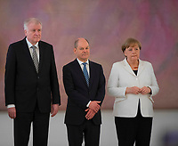 DEU, Deutschland, Germany, Berlin, 14.03.2018: Bundesinnenminister Horst Seehofer (CSU), Bundesfinanzminister Olaf Scholz (SPD), Bundeskanzlerin Dr. Angela Merkel (CDU), bei der Ernennung des neuen Bundeskabinetts durch den Bundespräsidenten im Schloss Bellevue.
