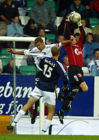 Fotball, 22. september 2003, Tippeligaen,  Sogndal-Viking, Håvard Flo, Sogndal, Brede Hangeland og Frode Olsen, Viking
