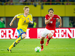 07.06.2013, Ernst Happel Stadion, Wien, AUT, FIFA WM Qualifikation, Oesterreich vs Schweden, im Bild Rasmus Elm, (SWE, #6), Julian Baumgartlinger, (AUT, #14)// during the FIFA World Cup Qualifier Match between Austria and Sweden at the Ernst Happel Stadium, Vienna, Austria on 2013/06/07. EXPA Pictures © 2013, PhotoCredit: EXPA/ Sebastian Pucher