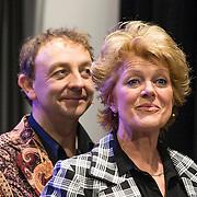 NLD/Amsterdam//20140323 - Perspresentatie musicalbewerking Moeder, Ik Wil Bij De Revu, Simone Kleinsma en Jon van Eerd