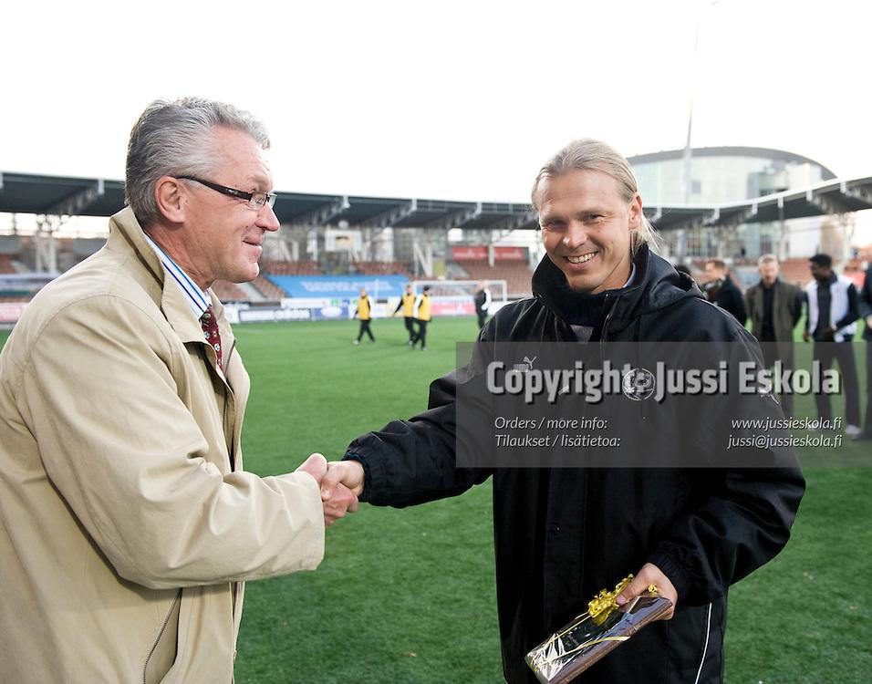 Valmentajayhdistyksen palkinnot: Marko Rajamäki. HJK - Honka. Suomen Cupin finaali. 1.11.2008. Photo: Jussi Eskola