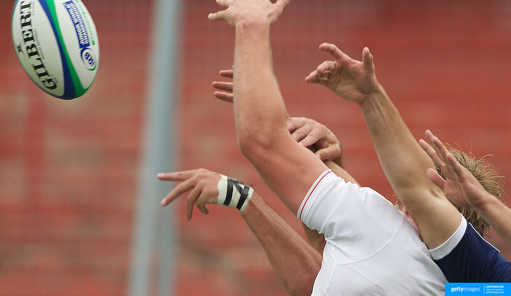 England's George Kruis wins a line out during the England V France group stage match at Estadio El Coloso del Parque, Rosario, Argentina, during the IRB Junior World Championships. 13th June 2010. Photo Tim Clayton....