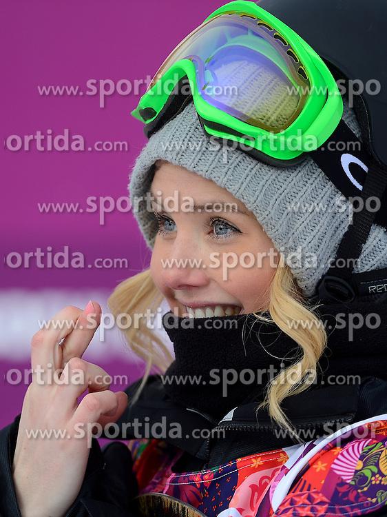 09-02-2014 SNOWBOARDEN: OLYMPIC GAMES: SOTSJI<br /> Op het Rosa Khutor Extreme Park werden de halve finale Slopestyle gereden / Silje Norendal NOR<br /> Foto Sportida