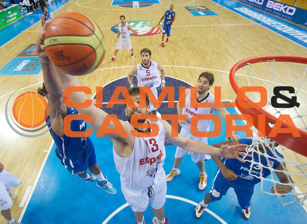 DESCRIZIONE : Kaunas Lithuania Lituania Eurobasket Men 2011 Finale Primo Secondo Posto Final Spagna Francia Spain France<br /> GIOCATORE : Marc Gasol<br /> SQUADRA : Spagna Spain<br /> EVENTO : Eurobasket Men 2011<br /> GARA : Spagna Francia Spain France<br /> DATA : 18/09/2011 <br /> CATEGORIA : rimbalzo rebound special<br /> SPORT : Pallacanestro <br /> AUTORE : Agenzia Ciamillo-Castoria/T.Wiedensohler<br /> Galleria : Eurobasket Men 2011 <br /> Fotonotizia : Kaunas Lithuania Lituania Eurobasket Men 2011 Finale Primo Secondo Posto Final Spagna Francia Spain France<br /> Predefinita :