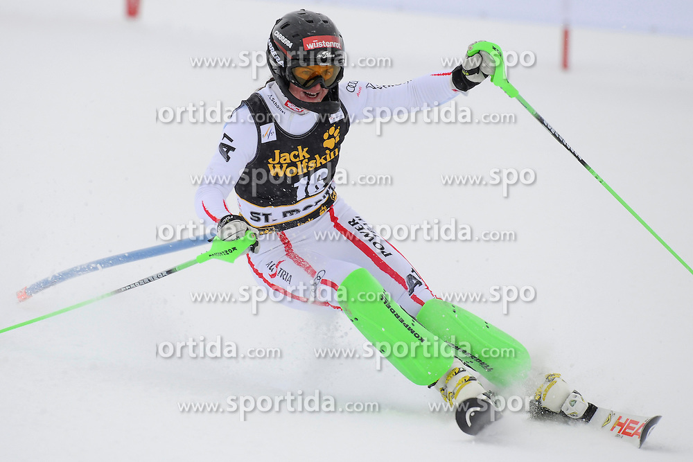 07.12.2012, Engiadina Rennstrecke, St. Moritz, SUI, FIS Ski Alpin Weltcup, Super Combination, Damen, Slalom, im Bild, Elisabeth Goergel (AUT), in action // during Slalom of ladies Super Combined of FIS ski alpine world cup at the Engiadina course, St. Moritz, Switzerland on 2012/12/07. EXPA Pictures © 2012, PhotoCredit: EXPA/ Freshfocus/ Urs Lindt..***** ATTENTION - for AUT, SLO, CRO, SRB, BIH only *****