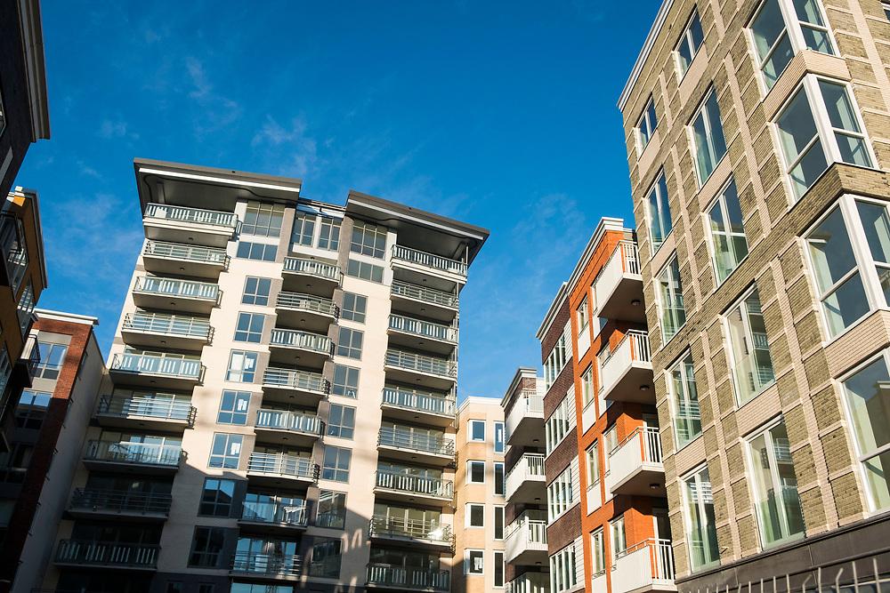 Nederland, Diemen, 20180206<br /> Nieuwbouwlokatie Holland Park in Diemen. Voorheen een kantorenwijk. Kantoren zijn gesloopt en nu worden er woningen gebouwd.<br /> <br /> Foto: (c)Michiel Wijnbergh