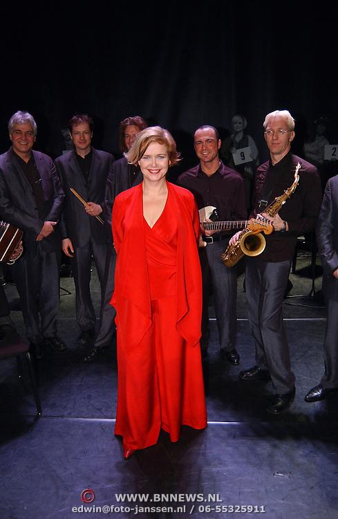 Concert Mathilde Santing, en band