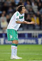 FUSSBALL     UEFA CUP  FINALE  SAISON 2008/2009 Shakhtar Donetsk - SV Werder Bremen 20.05.2009 Claudio Pizarro (Bremen) kann eine Entscheidung des Schiedsrichters nicht verstehen