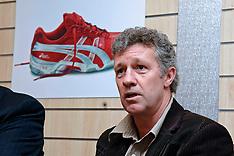 20050317 NED: Presentatie nieuwe Bondscoach, Leusden