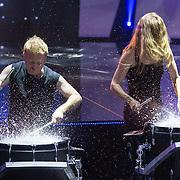 NLD/Aalsmeer/20151120 - 1e show Mindmasters Live 2015, drummer van slagerij van Kampen
