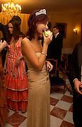 Anastasia Gorbatcheva, Crillon 2004 Debutante Ball. Crillon Hotel. Paris. 26 November 2004. ONE TIME USE ONLY - DO NOT ARCHIVE  © Copyright Photograph by Dafydd Jones 66 Stockwell Park Rd. London SW9 0DA Tel 020 7733 0108 www.dafjones.com