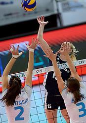 28-09-2015 NED: Volleyball European Championship Polen - Slovenie, Apeldoorn<br /> Polen wint met 3-0 van Slovenie / Natalia Kurnokowska #15