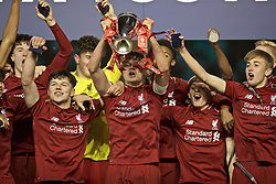 MANCHESTER, ENGLAND - Thursday, April 25, 2019: Liverpool's captain Paul Glatzel celebrates with the trophy after the FA Youth Cup Final match between Manchester City FC and Liverpool FC at the Academy Stadium. Liverpool won 5-4 on penalties after a 1-1 extra-time draw. (Pic by David Rawcliffe/Propaganda)