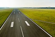 Groningen, Gemeente Tynaarlo, 04-11-2018; Groningen Airport Eelde, overzicht met runway 05-23.<br /> Eelde airfield, runway .<br /> luchtfoto (toeslag op standaard tarieven);<br /> aerial photo (additional fee required);<br /> copyright© foto/photo Siebe Swart