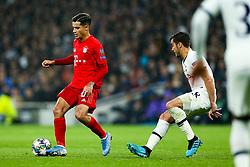 Philippe Coutinho of Bayern Munich is challenged by Harry Winks of Tottenham Hotspur - Rogan/JMP - 01/10/2019 - FOOTBALL - Tottenham Hotspur Stadium - London, England - Tottenham Hotspur v Bayern Munich - UEFA Champions League Group B.