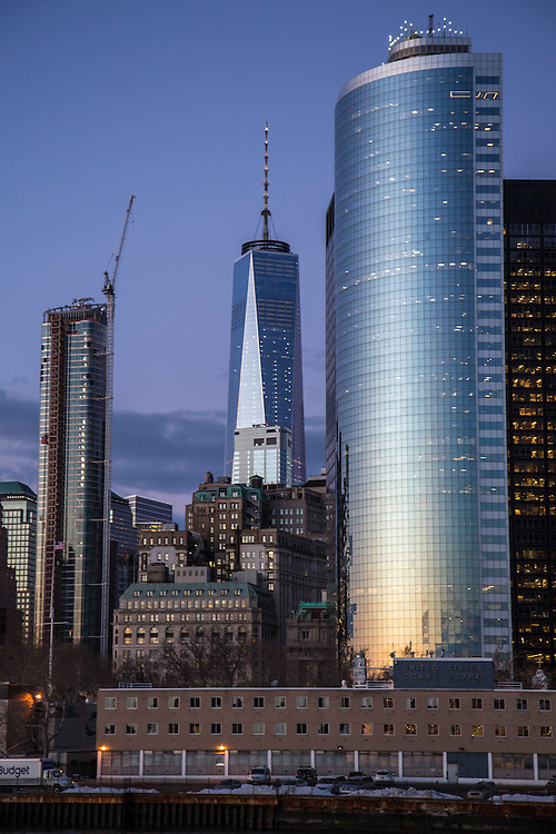 Sunset reflects on the famous curved facade of 17 State Street building in Lower Manhattan, New York City, New York, United States of America.  Lower Manhattan, also known as Downtown Manhattan is the Financial, government and cultural district of the city.  (photo by Andrew Aitchison / In pictures via Getty Images)