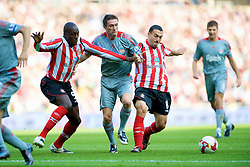 SUNDERLAND, ENGLAND - Saturday, August 16, 2008: Liverpool's Robbie Keane and Sunderland's Nyron Nosworthy and Steed Malbranque during the opening Premiership match of the season at the Stadium of Light. (Photo by David Rawcliffe/Propaganda)
