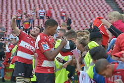 28-07-18 Emirates Airline Park, Johannesburg. Super Rugby semi-final Emirates Lions vs NSW Waratahs.  Lourens Erasmus takes a selfie while Marvin Orie signs a cap.<br />  Picture: Karen Sandison/African News Agency (ANA)