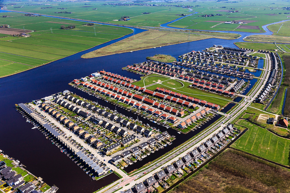 Nederland, Friesland, Leeuwarden, 01-05-2013; Polder het Lang Deel, de wijk Zuiderburen. Vinexlocatie.<br /> The newly constructed residential area Zuiderburen (Southern neighbours) in Leeuwarden, Friesland, North Netherlands.<br /> luchtfoto (toeslag op standard tarieven);<br /> aerial photo (additional fee required);<br /> copyright foto/photo Siebe Swart