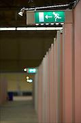 Nederland, the Netherlands, Apeldoorn, 1-9-2015In de Americahal worden maximaal 400 vluchtelingen opgevangen, veelal afkomstig uit Syrië of Eritrea. In deze noodopvang worden bij voorkeur geen gezinnen geplaatst en zal het vooral gaan om alleenstaande mannen. Vanavond nemen zij hier hun intrek.In Holland the growing number of refugees forces the government to house them temporary and improvised in unused or empty  buildings and halls. Often these are rented from private owners or real-estate firms.FOTO: FLIP FRANSSEN/ HOLLANDSE HOOGTE