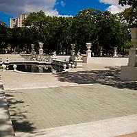 El Paseo de los Próceres es un monumento venezolano que se encuentra cerca del Fuerte Tiuna en Caracas, Venezuela. En La Academia Militar de Venezuela la cual es el Instituto más antiguo de formación de Oficiales en América del Sur, ubicada en Caracas y fundada en 1810, en éste se encuentran estatuas de los próceres de la Independencia de Venezuela, además de fuentes, escaleras, calzadas y muros. El Paseo Los Proceres pertenece al patrimonio historico de caracas, fue una creación del arquitecto Luis Maulassena en homenaje a lucha de aquellos héroes por la Independencia de Venezuela.  Caracas 14 de septiembre del 2008.<br /> Photography by Aaron Sosa<br /> Caracas, Venezuela 2008<br /> (Copyright © Aaron Sosa)
