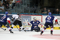 03.10.2014, SAP Arena, Mannheim, GER, DEL, Adler Mannheim vs Thomas Sabo Ice Tigers, 7. Runde, im Bild Connor James (Thomas Sabo Ice Tigers) vergibt frei vor Dennis Endras (Adler Mannheim), Aktion / Action // during germans DEL Icehockey League 7th round match between Adler Mannheim and Thomas Sabo Ice Tigers at the SAP Arena in Mannheim, Germany on 2014/10/03. EXPA Pictures © 2014, PhotoCredit: EXPA/ Eibner-Pressefoto/ Neis<br /> <br /> *****ATTENTION - OUT of GER*****