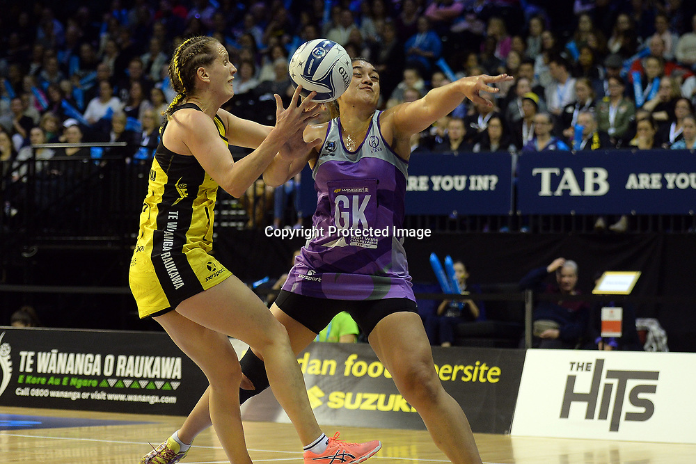 Central Pulse's Sara Bayman grabs a ball from Stars' Sulu Fitzpatrick during the ANZ Premiership Netball match between Central Pulse v Northern Stars TSB Arena, Monday 08th May 2017. Copyright Photo: Raghavan Venugopal / www.photosport.nz
