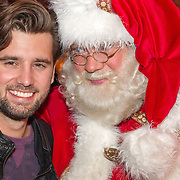 NLD/Hilversum/20151207- Sky Radio's Christmas Tree for Charity, Ruud Feltkamp en de kerstman