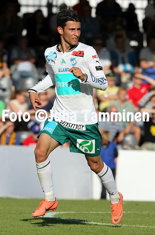 3.7.2012, Tapiolan urheilupuisto, Espoo..Veikkausliiga 2012..FC Honka - IFK Mariehamn..Rezgar Amani - IFK Mhamn