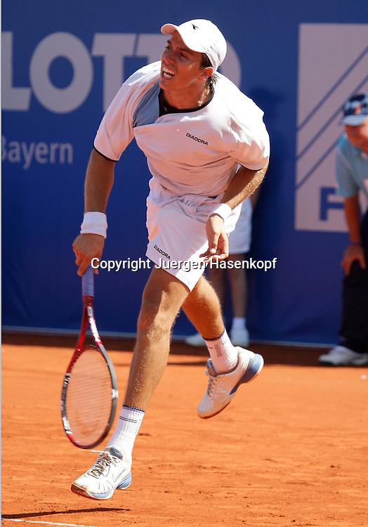 BMW Open 2008, Muenchen, Sport, Tennis,  International Series ATP  Tournament,  Carlos Berlocq (ARG)..Foto: Juergen Hasenkopf