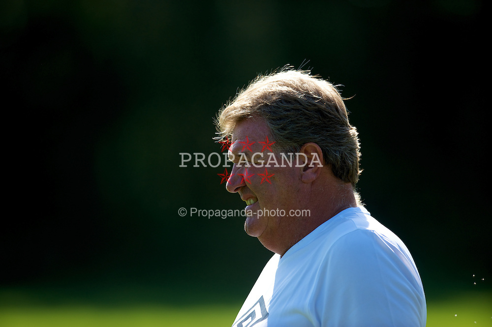 CARDIFF, WALES - Tuesday, August 31, 2010: Wales' manager John Toshack during training at the Vale of Glamorgan ahead of the UEFA Euro 2012 Qualifying Group 4 match against Montenegro. (Pic by David Rawcliffe/Propaganda)