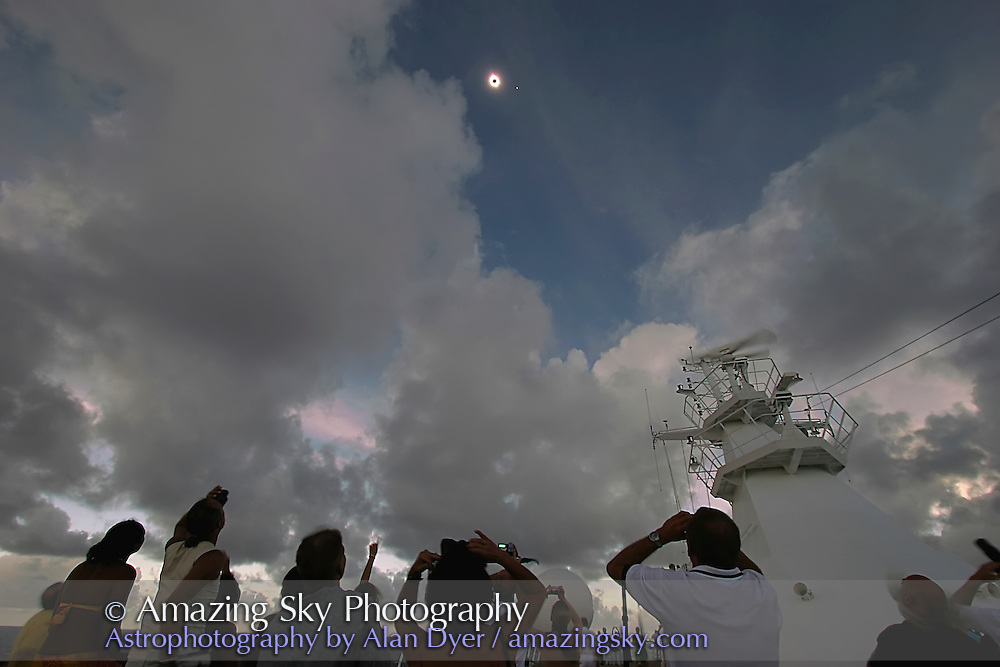 Total eclipse of the Sun, April 8, 2005, as seen from the m/s Paul Gauguin ship north of Pitcairn Island in the South Pacific. Taken with the Canon 20Da and 10-22mm lens at 10mm.