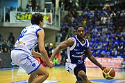 DESCRIZIONE : Sassari Lega A 2012-13 Dinamo Sassari Lenovo Cant&ugrave; Quarti di finale Play Off gara 5<br /> GIOCATORE : Joe Ragland<br /> CATEGORIA : Palleggio<br /> SQUADRA : Lenovo Cant&ugrave;<br /> EVENTO : Campionato Lega A 2012-2013 Quarti di finale Play Off gara 5<br /> GARA : Dinamo Sassari Lenovo Cant&ugrave; Quarti di finale Play Off gara 5<br /> DATA : 17/05/2013<br /> SPORT : Pallacanestro <br /> AUTORE : Agenzia Ciamillo-Castoria/M.Turrini<br /> Galleria : Lega Basket A 2012-2013  <br /> Fotonotizia : Sassari Lega A 2012-13 Dinamo Sassari Lenovo Cant&ugrave; Play Off Gara 5<br /> Predefinita :