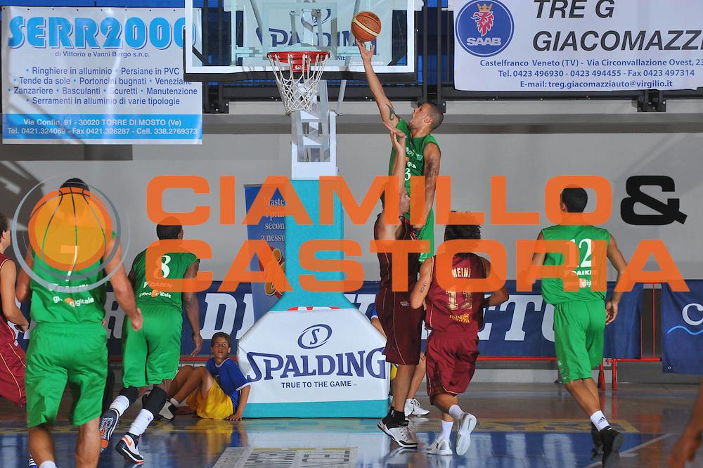 DESCRIZIONE : Caorle Lega A 2009-10 3&deg; Torneo Citta di Caorle Benetton Treviso Umana Reyer Venezia<br /> GIOCATORE : Daniel Hackett<br /> SQUADRA : Benetton Treviso<br /> EVENTO : Campionato Lega A 2009-2010 <br /> GARA : Benetton Treviso Umana Reyer Venezia<br /> DATA : 12/09/2009<br /> CATEGORIA :  Tiro<br /> SPORT : Pallacanestro <br /> AUTORE : Agenzia Ciamillo-Castoria/M.Gregolin<br /> Galleria : Lega Basket A 2009-2010 <br /> Fotonotizia : Caorle Lega A 2009-10 3&deg; Torneo Citta di Caorle Benetton Treviso Umana Reyer Venezia<br /> Predefinita :