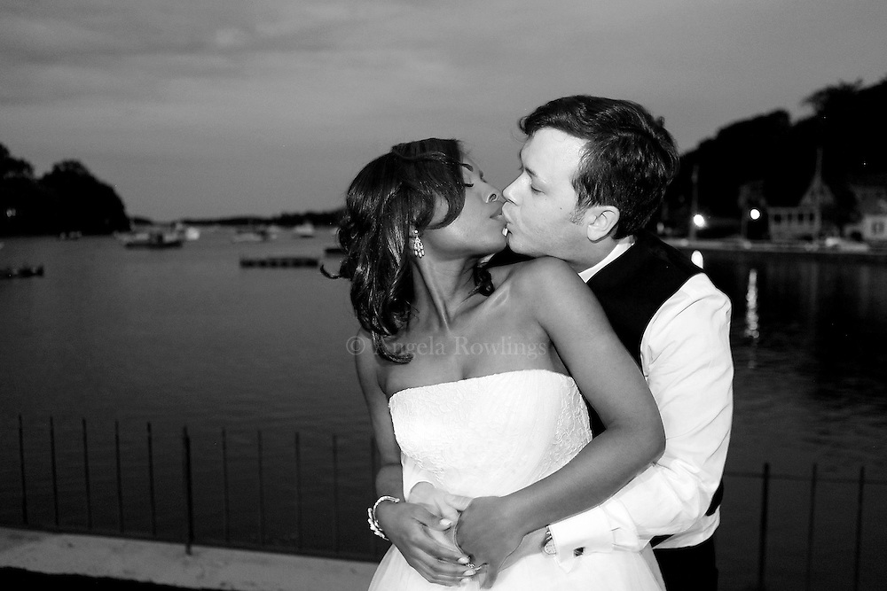 Candice & Matt.© Angela Rowlings 2012.www.angelarowlings.com