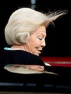 14-5-2015 - AMSTERDAM  - Koning Maxima komt aan bij het Paleis op de dam. Koning Willem-Alexander en Koningin Maxima ontvangen woensdagavond 14 mei 2014 het Corps Diplomatique voor het jaarlijkse galadiner. Het diner wordt gehouden in het Koninklijk Paleis Amsterdam. COPYRIGHT ROBIN UTRECHT
