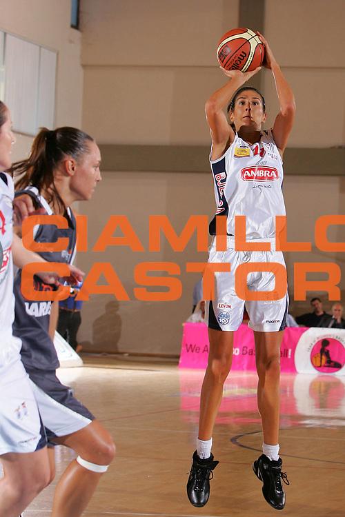 DESCRIZIONE : Cagliari Lega A1 Femminile 2006-07 Prima Giornata Pasta Ambra Taranto Carispe La Spezia <br /> GIOCATORE : Bjelica <br /> SQUADRA : Pasta Ambra Taranto <br /> EVENTO : Campionato Lega A1 2006-2007 Prima Giornata <br /> GARA : Pasta Ambra Taranto Carispe La Spezia <br /> DATA : 07/10/2006 <br /> CATEGORIA : Tiro <br /> SPORT : Pallacanestro <br /> AUTORE : Agenzia Ciamillo-Castoria/S.Silvestri <br /> Galleria : Lega Basket Femminile 2006-2007 <br /> Fotonotizia : Cagliari Campionato Italiano Femminile Lega A1 2006-2007 Prima Giornata Pasta Ambra Taranto Carispe La Spezia <br /> Predefinita :