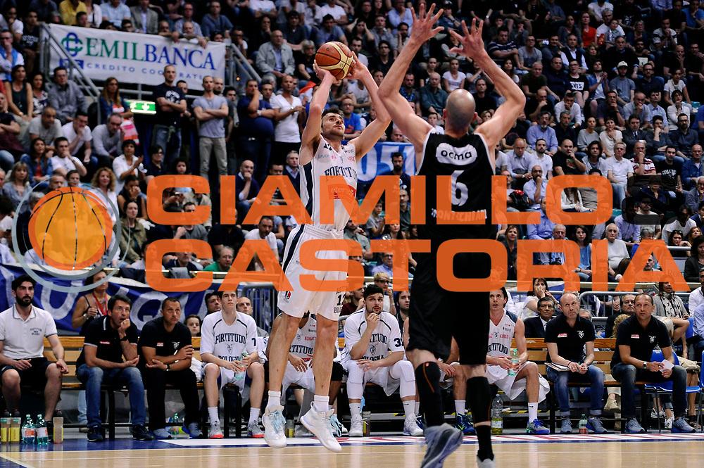DESCRIZIONE : Bologna Serie B Playoff Girone B Finale Gara 1 2014-15 Eternedile Bologna Contadi Castaldi Montichiari<br /> GIOCATORE : Giuliano Samoggia<br /> CATEGORIA : tiro three points<br /> SQUADRA : Eternedile Bologna<br /> EVENTO : Campionato Serie B 2014-15<br /> GARA : Eternedile Bologna Contadi Castaldi Montichiari<br /> DATA : 28/05/2015<br /> SPORT : Pallacanestro <br /> AUTORE : Agenzia Ciamillo-Castoria/M.Marchi<br /> Galleria : Serie B 2014-2015 <br /> Fotonotizia : Bologna Serie B Playoff Girone B Finale Gara 1 2014-15 Eternedile Bologna Contadi Castaldi Montichiari