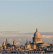 16 octobre 2012 : Vue du Panth&eacute;on depuis le clocher de l'&eacute;glise Saint-Germain-des-Pr&eacute;s. Paris (75), FRANCE.<br /> October 16, 2012 : The Panth&eacute;on from the steeple of the church of Saint -Germain -des -Pr&eacute;s . Paris, France.