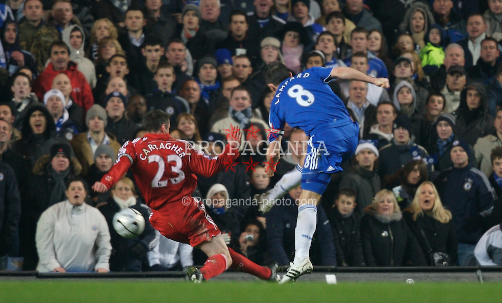 LONDON, ENGLAND - Wednesday, December 19, 2007: Liverpool's Jamie Carragher can't prevent Chelsea's Frank Lampard scoring the opening goal during the League Cup Quarter Final match at Stamford Bridge. (Photo by David Rawcliffe/Propaganda)