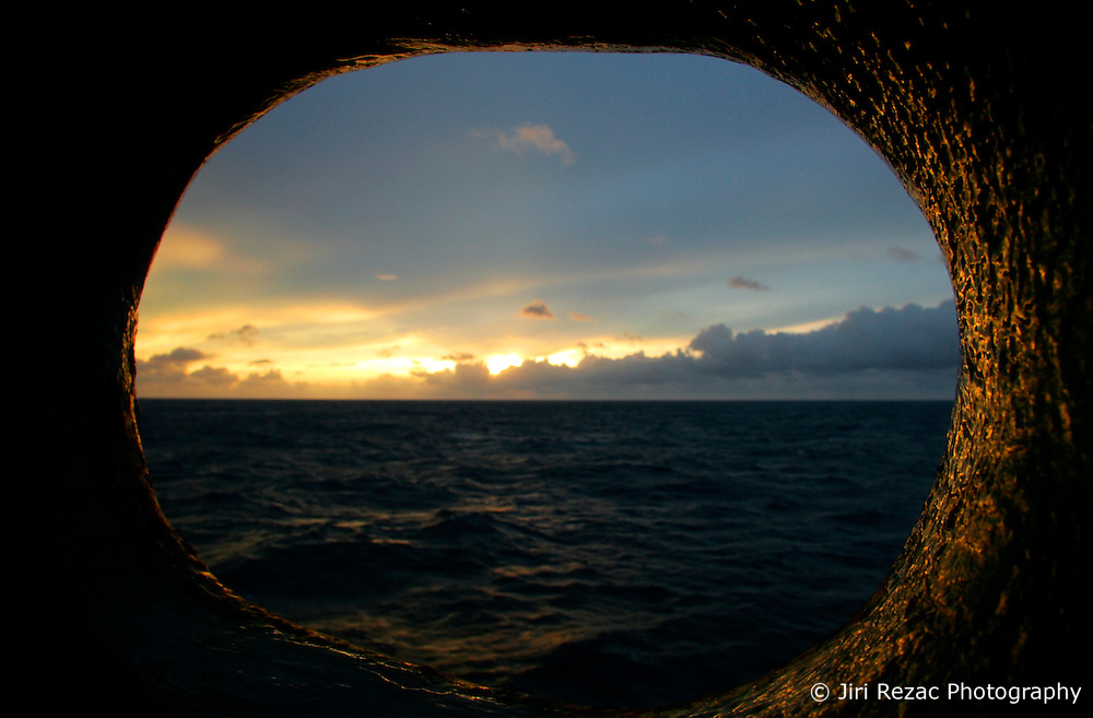 NORTHERN PACIFIC ESPERANZA 27NOV07 - Sunrise seen through a bow lead aboard the MY Esperanza in the northern Pacific...jre/Photo by Jiri Rezac..© Jiri Rezac 2007..Contact: +44 (0) 7050 110 417.Mobile:  +44 (0) 7801 337 683.Office:  +44 (0) 20 8968 9635..Email:   jiri@jirirezac.com.Web:    www.jirirezac.com..© All images Jiri Rezac 2007 - All rights reserved.