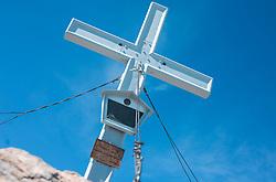 THEMENBILD - das Gipfelkreuz am Kitzsteinhorn auf 3203 m, aufgenommen am 01. Juli 2019, Kaprun, Österreich // the summit cross at the Kitzsteinhorn at 3203 m on 2019/07/01, Kaprun, Austria. EXPA Pictures © 2019, PhotoCredit: EXPA/ Stefanie Oberhauser