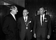 10/11/1964<br /> 11/10/1964<br /> 10 November 1964<br /> <br /> Mr. Jack Lynch Minister for Industry and Commerce, Mr. P.J. Cleary, President of the R.G.D.A.T.A., and Mr A. Madden from Cork