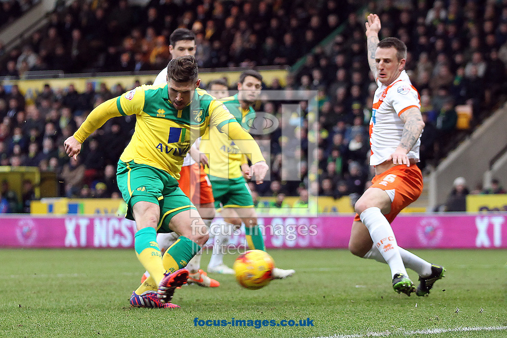 Gary Hooper of Norwich scores his sides 2nd goal during the Sky Bet Championship match at Carrow Road, Norwich<br /> Picture by Paul Chesterton/Focus Images Ltd +44 7904 640267<br /> 07/02/2015