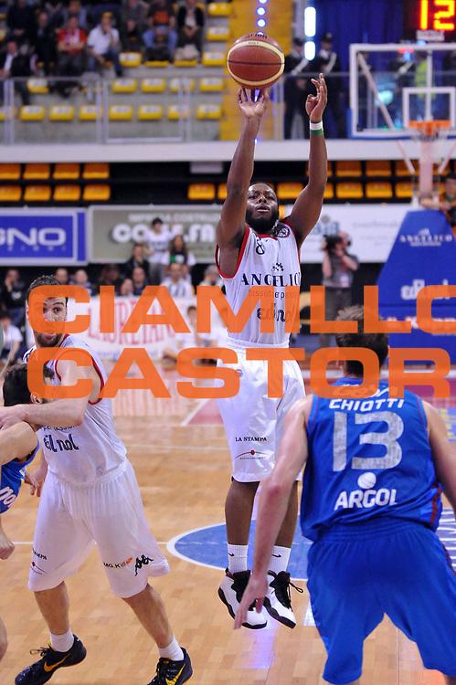 DESCRIZIONE : Biella Lega A 2011-12 Angelico Biella Novipiu Casale Monferrato<br /> GIOCATORE : Jacob Pullen<br /> CATEGORIA : Tiro<br /> SQUADRA : Angelico Biella<br /> EVENTO : Campionato Lega A 2011-2012<br /> GARA : Angelico Biella Novipiu Casale Monferrato<br /> DATA : 21/04/2012<br /> SPORT : Pallacanestro<br /> AUTORE : Agenzia Ciamillo-Castoria/S.Ceretti<br /> Galleria : Lega Basket A 2011-2012<br /> Fotonotizia : Biella Lega A 2011-12 Angelico Biella Novipiu Casale Monferrato<br /> Predefinita :