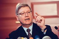 04 JAN 2000, BERLIN/GERMANY:<br /> Joachim H&ouml;rster, CDU, Parl. Gesch&auml;ftsf&uuml;hrer CDU/CSU Fraktion, w&auml;hrend einer Pressekonferenz zum Geldtransfer an die CDU, Deutscher Bundestag, Unter den Linden 71<br /> IMAGE: 20000104-01/01-29<br /> KEYWORDS: Joachim Hoerster
