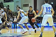 DESCRIZIONE : Eurocup 2013/14 Gr. J Dinamo Banco di Sardegna Sassari -  Brose Basket Bamberg<br /> GIOCATORE : Elias Harris<br /> CATEGORIA : Palleggio Penetrazione<br /> SQUADRA : Brose Basket Bamberg<br /> EVENTO : Eurocup 2013/2014<br /> GARA : Dinamo Banco di Sardegna Sassari -  Brose Basket Bamberg<br /> DATA : 19/02/2014<br /> SPORT : Pallacanestro <br /> AUTORE : Agenzia Ciamillo-Castoria / Luigi Canu<br /> Galleria : Eurocup 2013/2014<br /> Fotonotizia : Eurocup 2013/14 Gr. J Dinamo Banco di Sardegna Sassari - Brose Basket Bamberg<br /> Predefinita :
