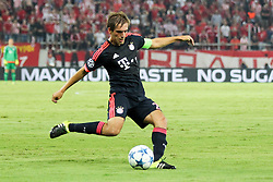 16.09.2015, Karaiskakis Stadium, Piräus, GRE, UEFA CL, Olympiakos Piräus vs FC Bayern München, Gruppe F, im Bild Philipp Lahm #21 (FC Bayern Muenchen) // during UEFA Champions League group F match between Olympiacos F.C. and FC Bayern Munich at the Karaiskakis Stadium in Piräus, Greece on 2015/09/16. EXPA Pictures © 2015, PhotoCredit: EXPA/ Eibner-Pressefoto/ Kolbert<br /> <br /> *****ATTENTION - OUT of GER*****