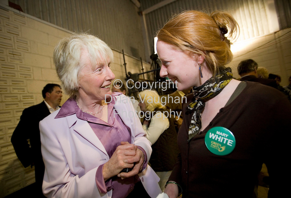 25/5/2007.Mary White Deputy Leader of the Green Party pictured at the count for Carlow Kilkenny in Thomastown with her daughter Dorothy..Picture Dylan Vaughan.